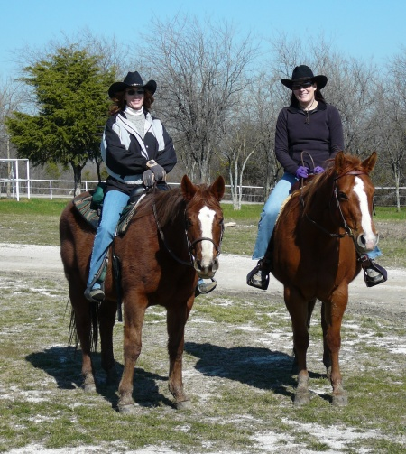 Elisabeth and Christine go horseback riding.
